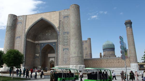 The Bibi Khanum mosque - Samarkand